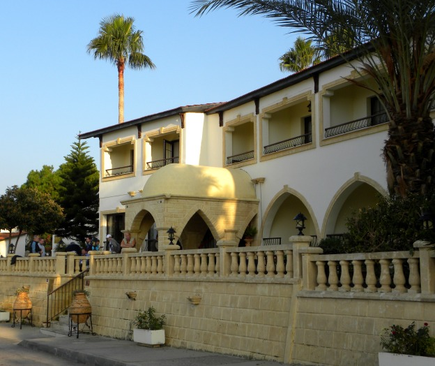 Bellapais Monastery Village hotel